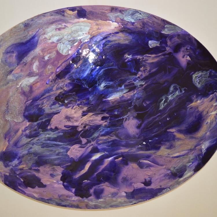 Résine ovale violet